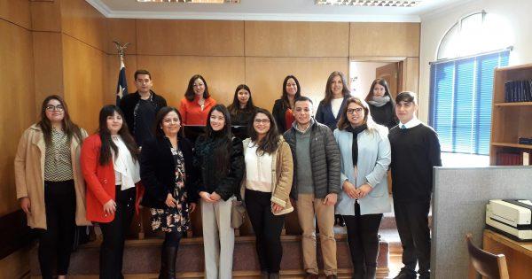 Estudiantes de Derecho UVM visitan Juzgado de Letras en lo Civil de Valparaíso