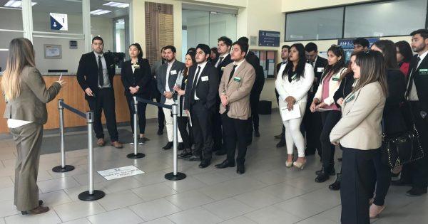 Alumnos de Derecho asisten a un juicio oral en lo penal