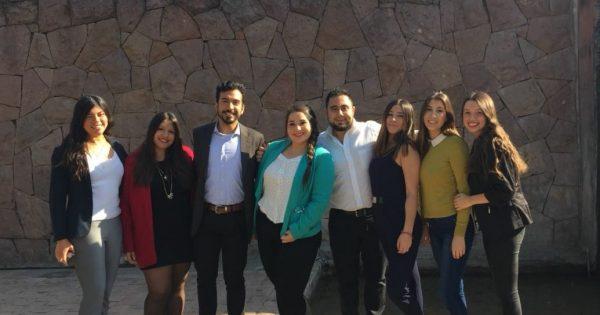 Alumnos de Relaciones Públicas UVM asisten a evento ICARE