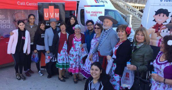 Alumnos de Relaciones Públicas de la UVM participan en la organización de jornada de adultos mayores