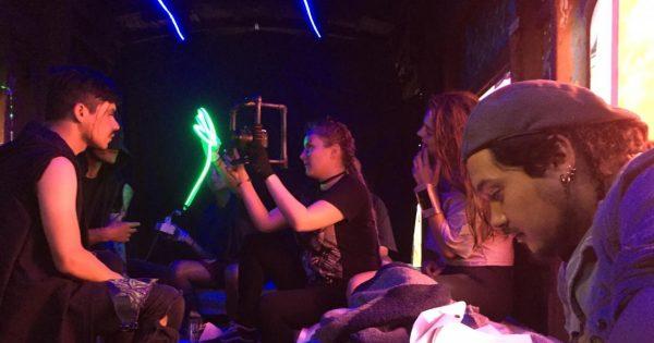 ASTRAL: Estudiantes de Cine UVM se titulan con película de ciencia ficción ciberpunk