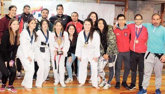 UVM campeón por equipos en Taekwondo