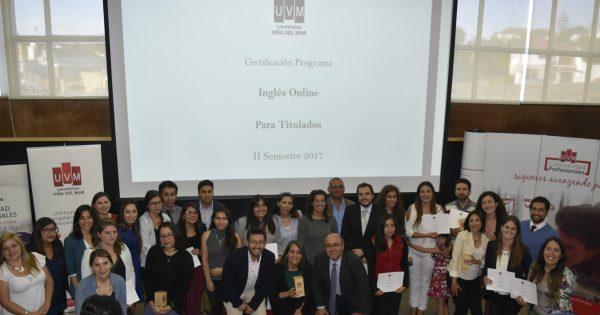 Comunidad Profesionales realiza ceremonia de cierre de Programa de Inglés para titulados