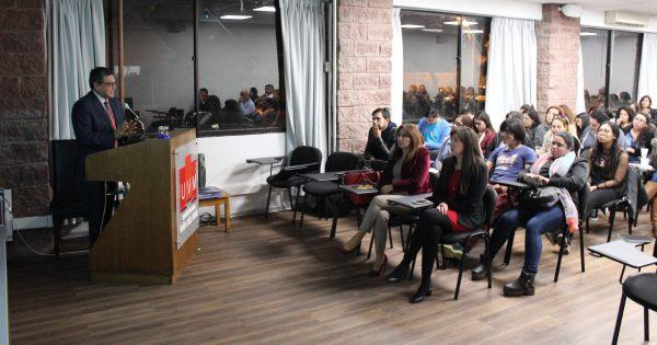 Escuela de Ciencias Jurídicas y Sociales sostuvo interesante conversatorio sobre conflicto en Siria para sus alumnos