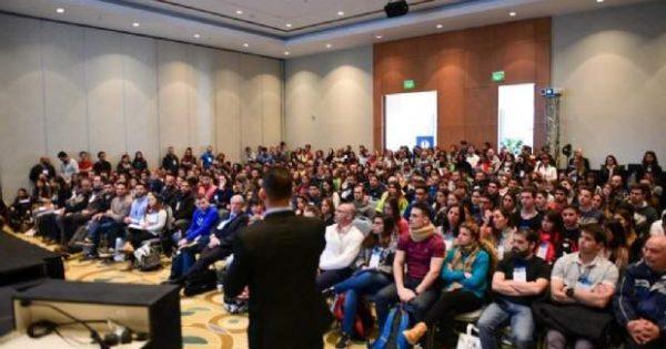 Docente UVM participa en Congreso de Kinesiología en Mendoza
