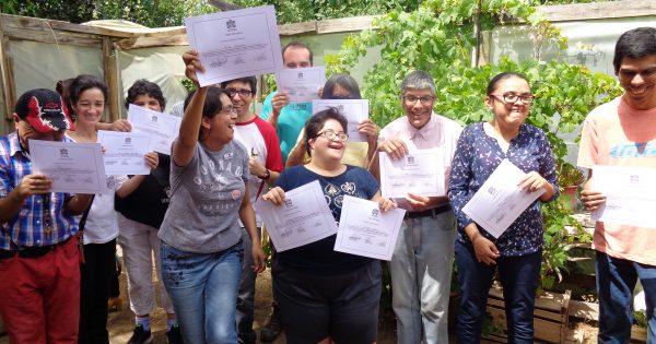 Gracias a UVM 26 personas con discapacidad cognitiva fueron capacitados en el manejo de invernaderos