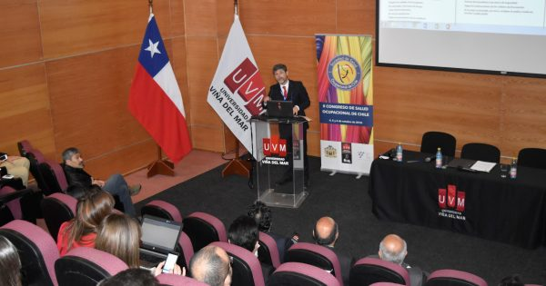 UVM firma convenio con Sociedad Chilena de Salud Ocupacional