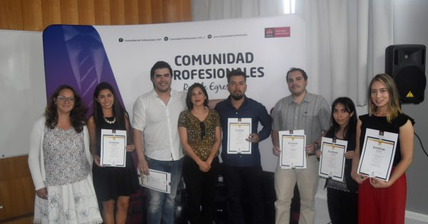 Alumnos y titulados UVM reciben certificados de los Programas de Perfeccionamiento 2018