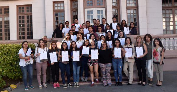 Unidad de Inclusión UVM certificó a alumnos de Curso de Lenguaje de Señas