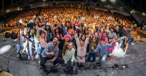 Cerca de 7 mil personas asisten a concierto de 30 años de UVM
