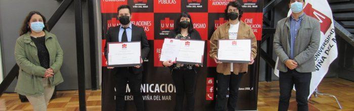 Estudiantes de Escuela de Comunicaciones UVM celebran sus titulaciones en formato híbrido