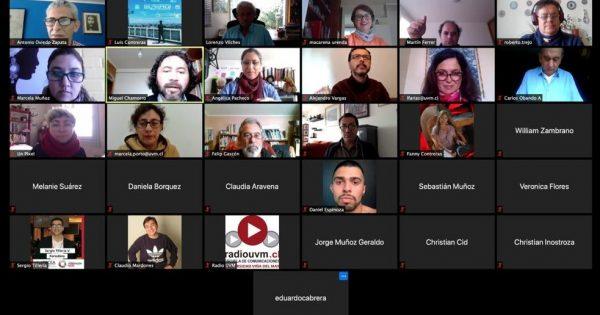 Exitoso conversatorio con Dr. Lorenzo Vilches convocó a estudiantes y académicos