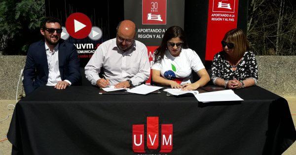 UVM firma convenio con el IND