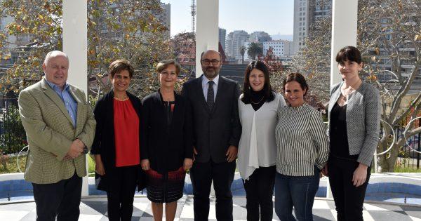 UVM firma convenio de colaboración con institución de rehabilitación de Colombia