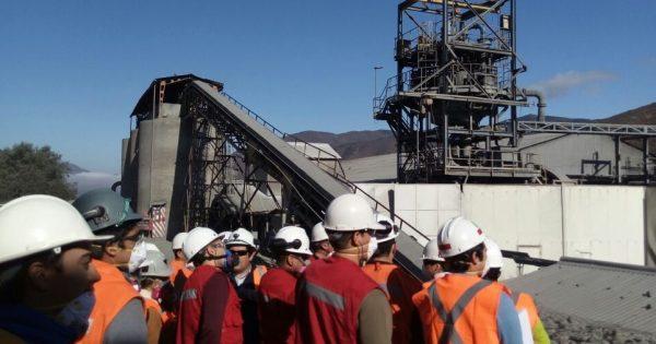 Estudiantes UVM visitan planta de Cenizas en Cabildo