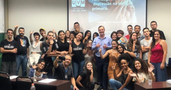 Docente UVM realiza charlas en universidades en Brasil