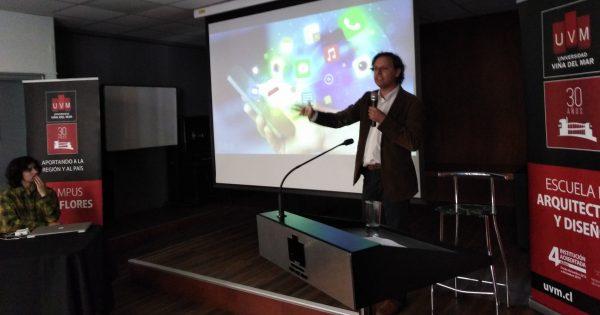 Escuela de Arquitectura y Diseño realiza charla de Ecommerce y Diseño de Tiendas Online