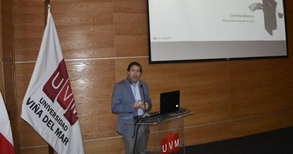 Supereduc V Región dicta Conferencia Magistral en UVM