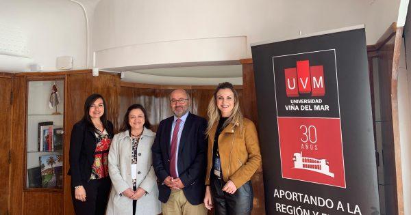 UVM firma acuerdo de cooperación con universidad brasileña