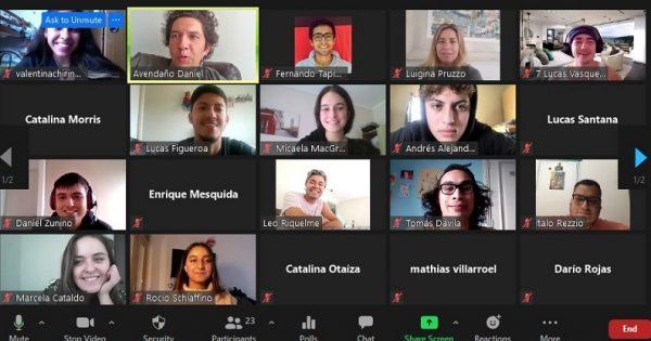 Editor de HoyxHoy dialoga con estudiantes de periodismo UVM