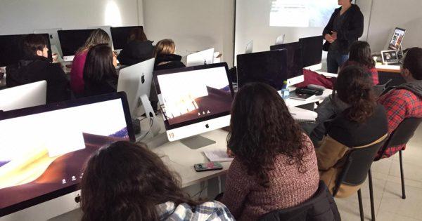 Estudiantes de Diplomado en Comunicación Digital comparten con creador de MO Noticias