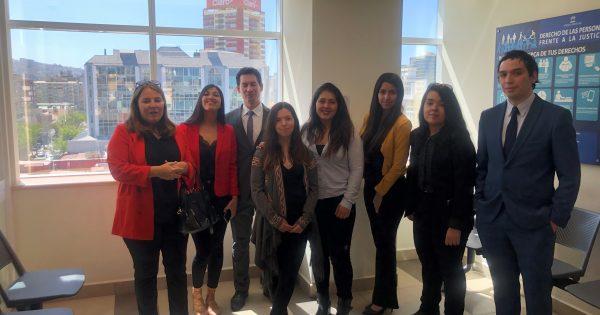 Estudiantes de Derecho realizan visita guiada por Tribunales de la República