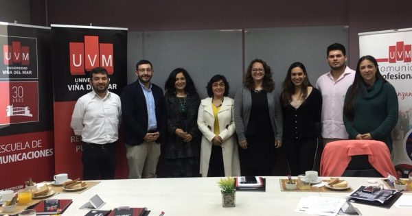 Comunidad Profesionales se reúne con empleadores de relacionadores públicos