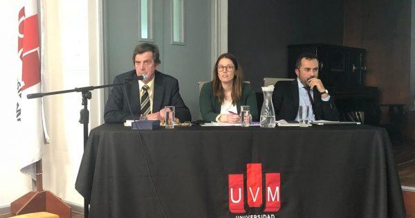 Conversatorio sobre la Ley N° 20.720 de reorganización y liquidación de empresas y personas se desarrolló en UVM