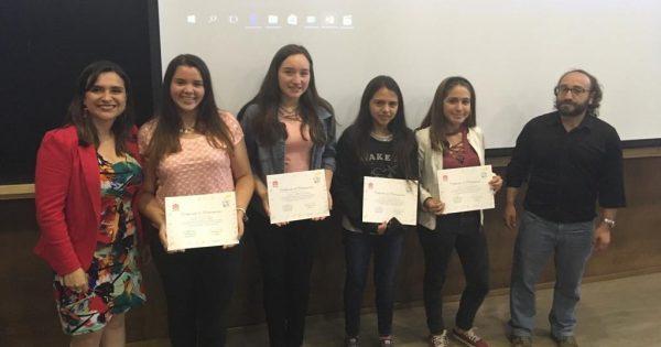 19 adolescentes fueron certificados como monitores de salud del CESFAM de Nueva Aurora gracias a UVM