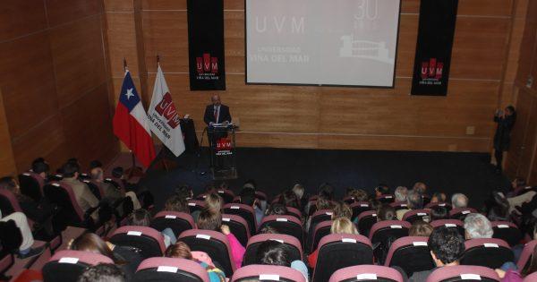 Experta en Gobernanza dio inicio al Año Académico en la UVM