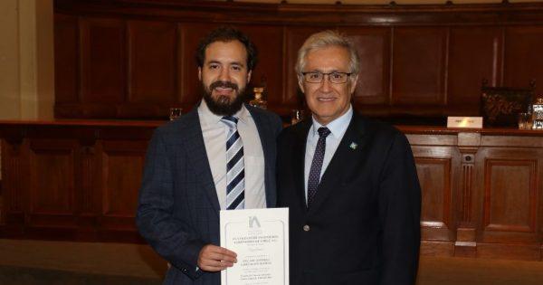 Colegio de Ingenieros Agrónomos de Chile premió a titulado UVM