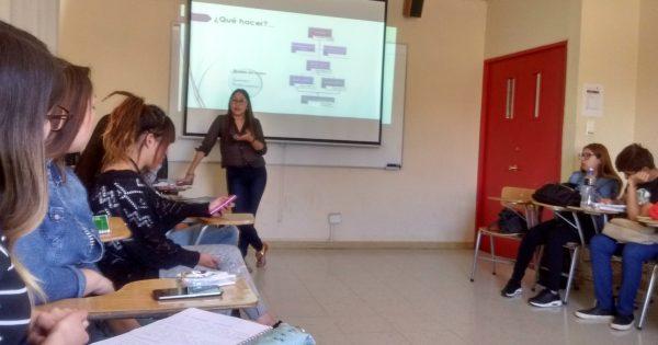 Estudiantes de Trabajo Social reflexionan en torno a dilemas éticos