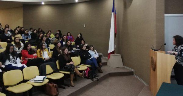Coordinadora del programa UDAM UVM fue invitada a dar charla a Universidad Santo Tomás