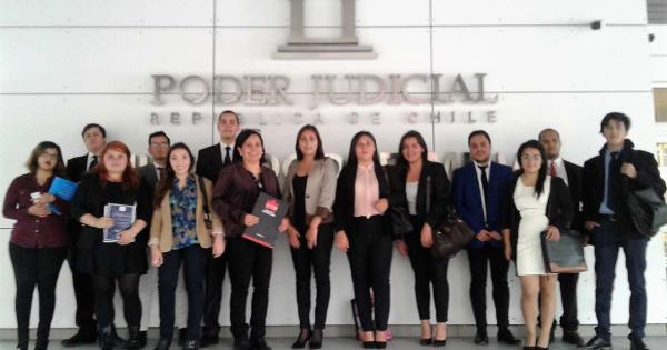 Estudiantes UVM visitan Segundo Juzgado de Letras Civil de Viña del Mar