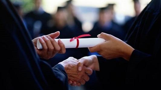 Titulada de Ingeniería Comercial UVM gana beca para cursar Magíster en Dirección de Negocios