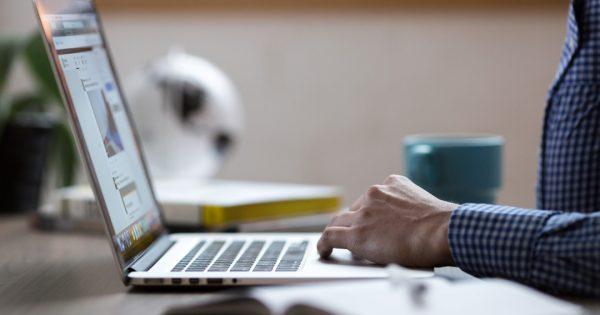 Columna de Opinión: «Educación en línea: Una tendencia al alza en Chile»