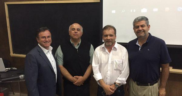 Director Comunal de Emergencias de Valparaíso dicta charla a futuro prevencionistas de riesgos