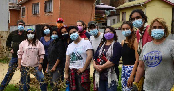Carrera de Trabajo Social UVM participó en acción ecológica con vecinos de Forestal