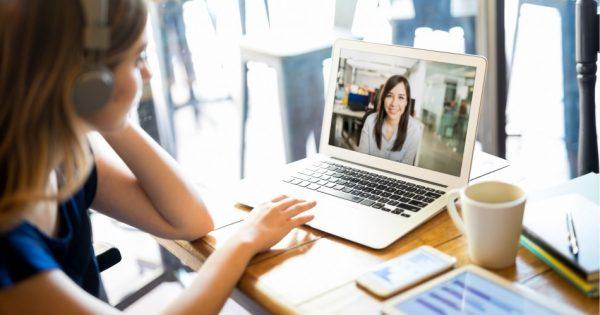 Inician programas de perfeccionamiento para titulados de manera online
