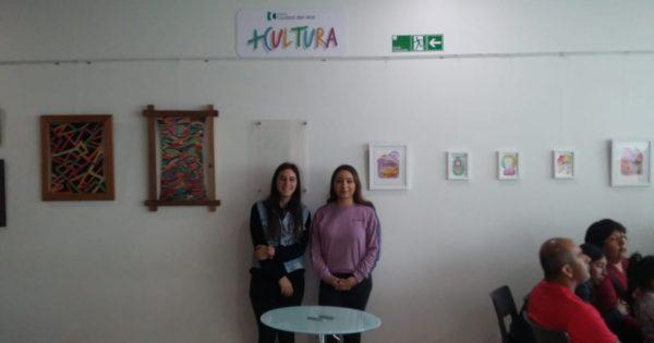 Alumnas UVM montan exposición de arte en Clínica Ciudad del Mar