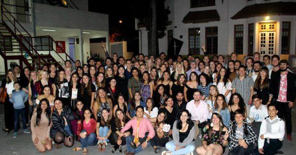 Estudiantes extranjeros celebran en tradicional Cena Internacional
