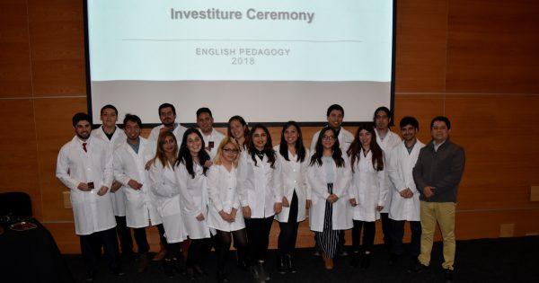 Pedagogía en Inglés realiza ceremonia de investidura de estudiantes
