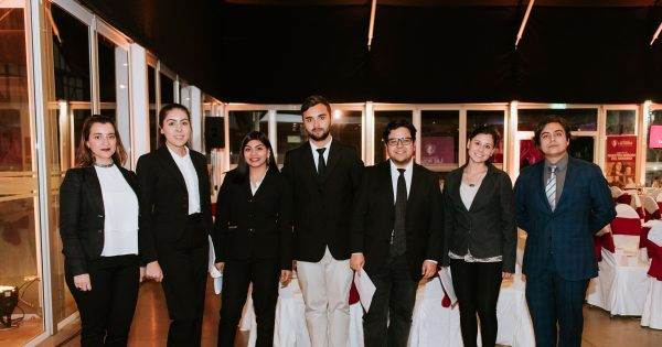 Estudiantes de Relaciones Públicas UVM son anfitriones en la XIII Cena del Pavo Fraterno de la Fundación Las Rosas