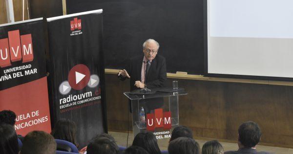 Tomás Mosciatti participa en lanzamiento de Radio UVM