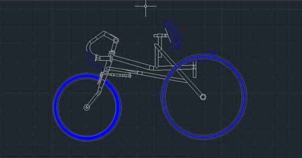 Estudiantes buscan diseñar bicicletas de madera para niños con parálisis cerebral