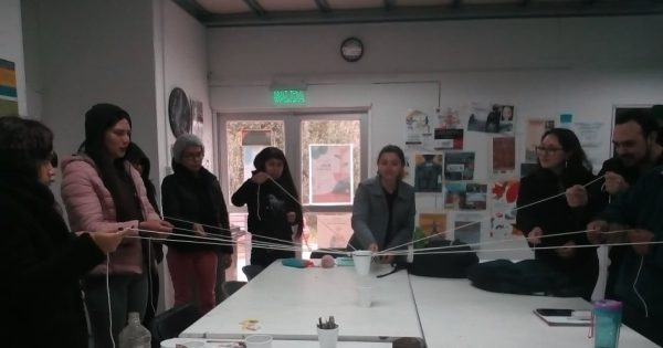 Pedagogía en Artes Visuales realiza entregas de piochas