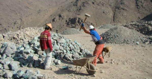 En UVM se dictó charla sobre la pequeña y mediana minería en Chile