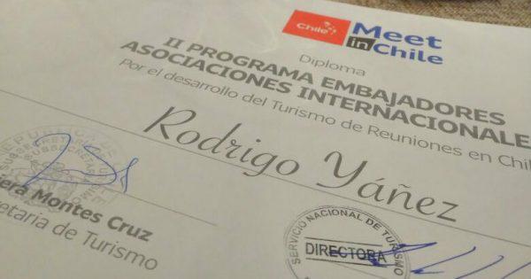 Docente de Educación Física es designado como Embajador Internacional de Chile