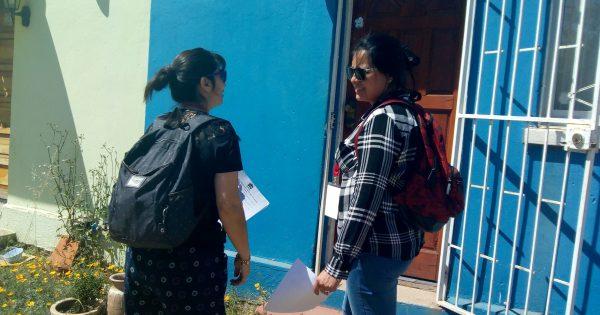 Carrera de Trabajo Social realiza puerta a puerta en Población Textil