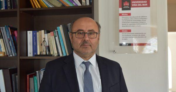 UVM ratifica a rector Carlos Isaac Pályi por nuevo período estatutario